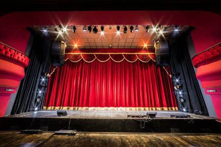 Divadelní opona Brno
